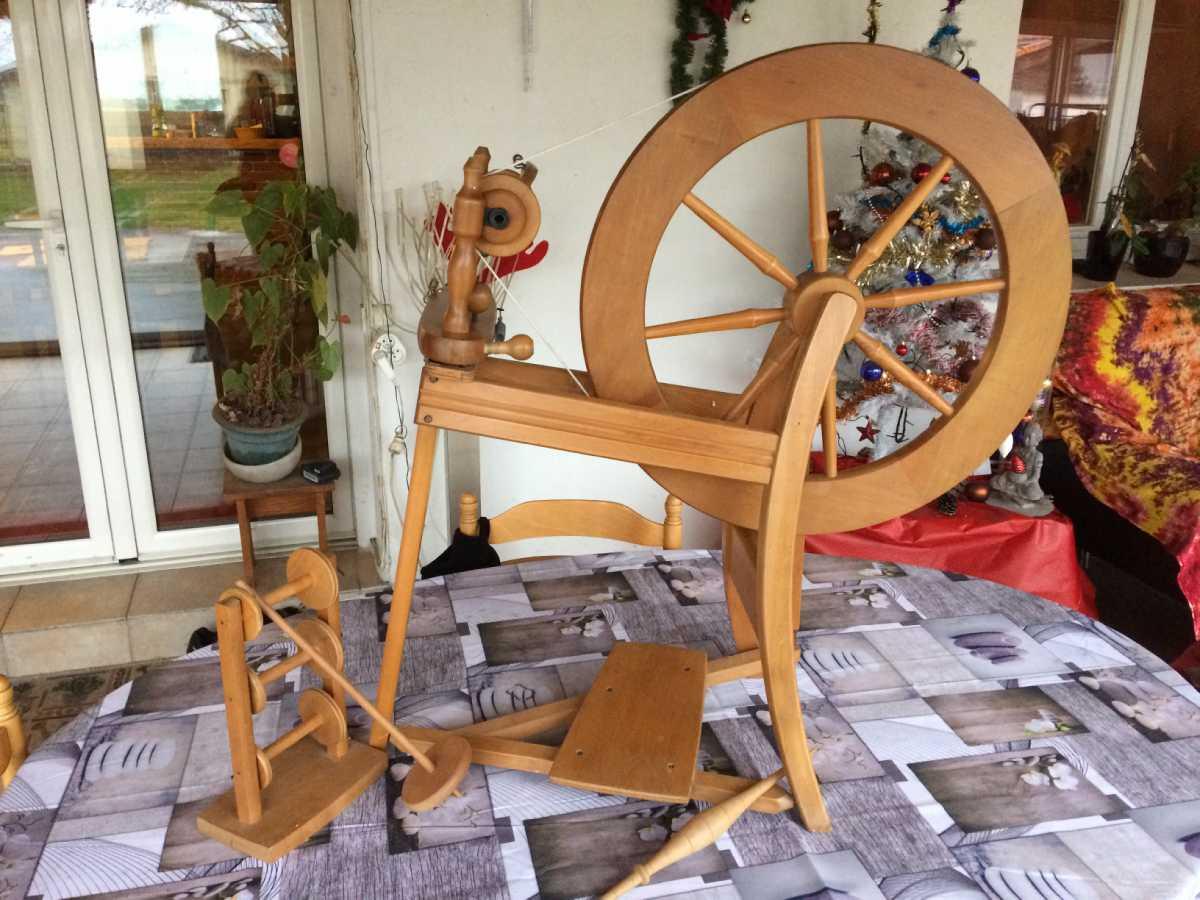 rouet pour filage laine